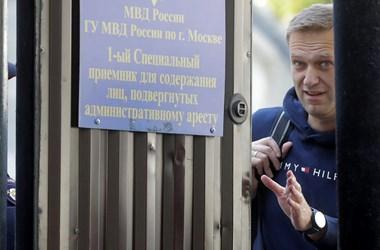 Törheti a fejét a Kreml: Navalnij visszatér Oroszországba