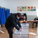 Romániai választások: az ellenzéki szociáldemokraták győzelmét jelzi az exit poll