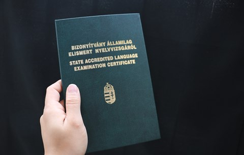 Mindig vannak kalandvágyók - középszinten csalnak a legtöbben a nyelvvizsgákon