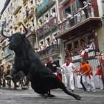 Vérfagyasztó képek a pamplonai bikafuttatásról - Nagyítás