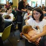 Fotók: Szoptató anyák lepték el a Nyugati téri McDonald'sot