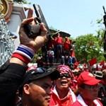 Az ENSZ beavatkozását kérnék a vörösingesek Thaiföldön