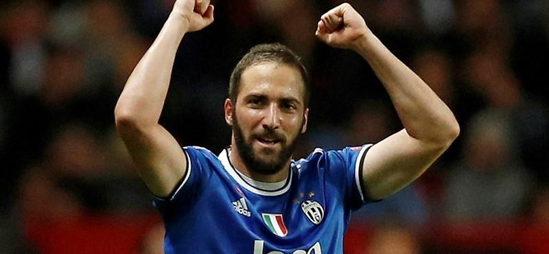 Bemutatta Higuaínt a Chelsea – videó