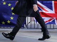 Johnson három nap alatt nyomná át a parlamenten a Brexit-megállapodást