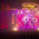 Kiállítással támogat hallássérülteket a Quimby