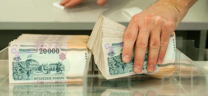 Egy kicsit jobbnak érzik a magyarok a pénzügyi helyzetüket, mint 2020 végén