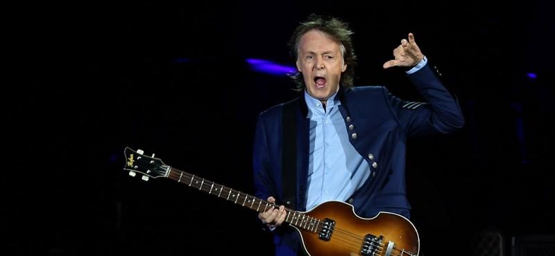 A régi szép időkben Paul McCartney és John Lennon együtt maszturbált