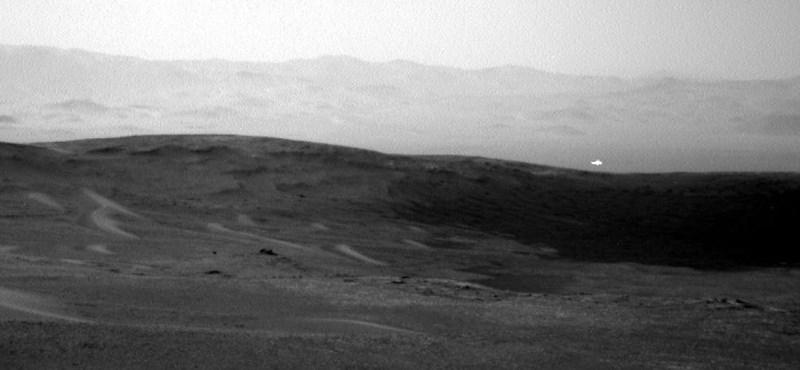 Ez vajon mi lehet? Rejtélyes fehér fényt fotózott a Marson a Curiosity