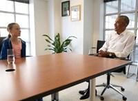 Greta Thunberg ökölpacsizott egyet Barack Obamával