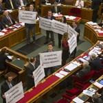 Kikerült a Velencei Bizottság jelentése: keményen kritizálják az alaptörvényt