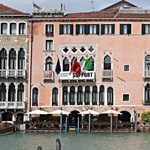 Fotó: Meghökkentő gigaszobor figyelmeztet a globális felmelegedésre Velencében