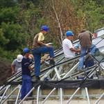 Tovább zuhan a magyar építőipar