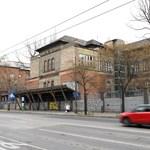 Mager miniszter azt írja, június végéig maradhat a Szabolcs utcában a hajléktalankórház