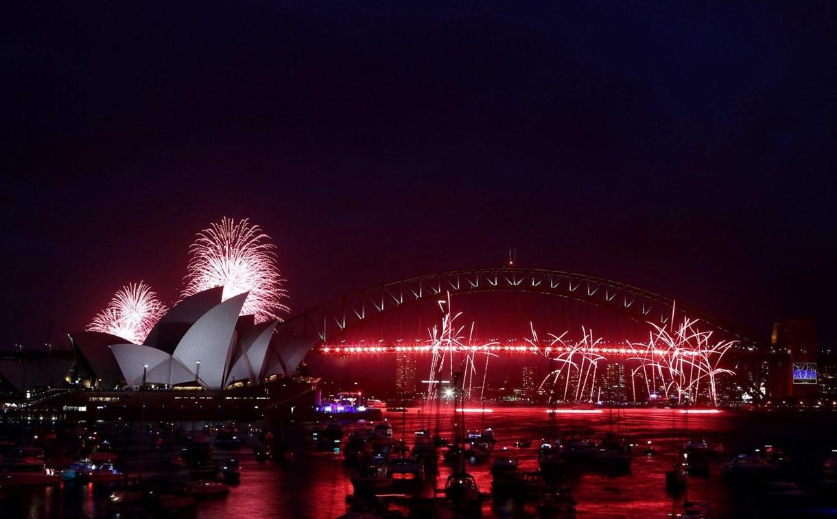 Fotó: eldurrant a szilveszteri tűzijáték Sydneyben