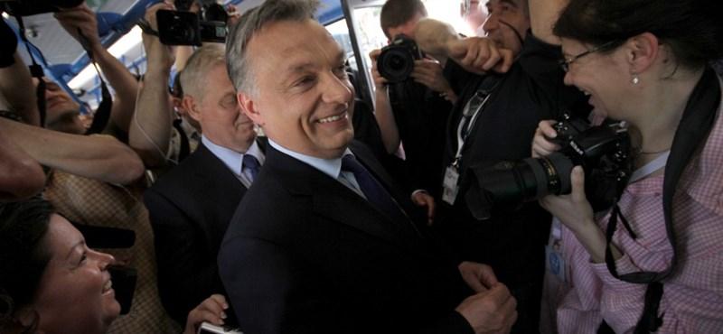 Orbán Mercedes buszon kapaszkodott, és erős Budapestről beszélt
