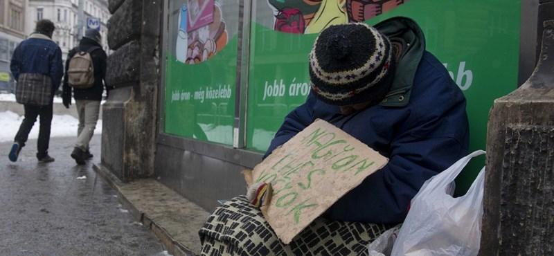 Hirtelen eszébe jutott a kormánynak, hogy segíteni kellene a hajléktalanokon