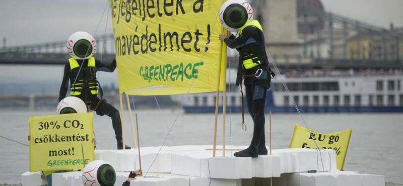 Megmérték: nagyon szennyezik a levegőt a Dunán közlekedő személyszállító hajók