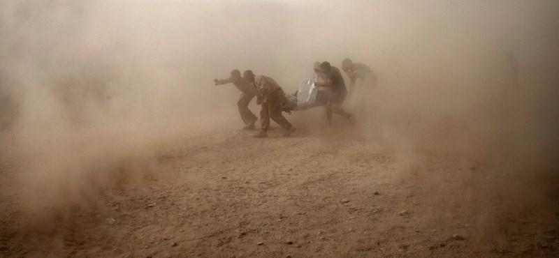 Lezuhant NATO-gép: több tucatnyi katona halt meg