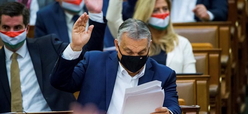 """Asbóth az Alaptörvénymódosításról: """"A későbbi kormányok döntési szabadságát vonja el a Fidesz"""""""