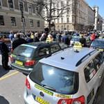 Taxisok tüntettek az Alkotmány utcában