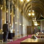 A teljes 444.hu-t kitiltották a parlamentből