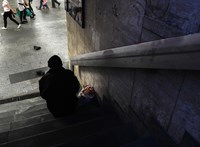 Egy 61 éves hajléktalan nőt vittek el elsőként Budapesten, ma lesz a tárgyalása