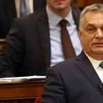 Orbán a Fidesz sorsáról is egyeztethet ma Brüsszelben