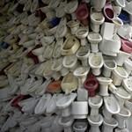 Nem használhatják a közös WC-t a menekült gyerekek az olasz iskolában