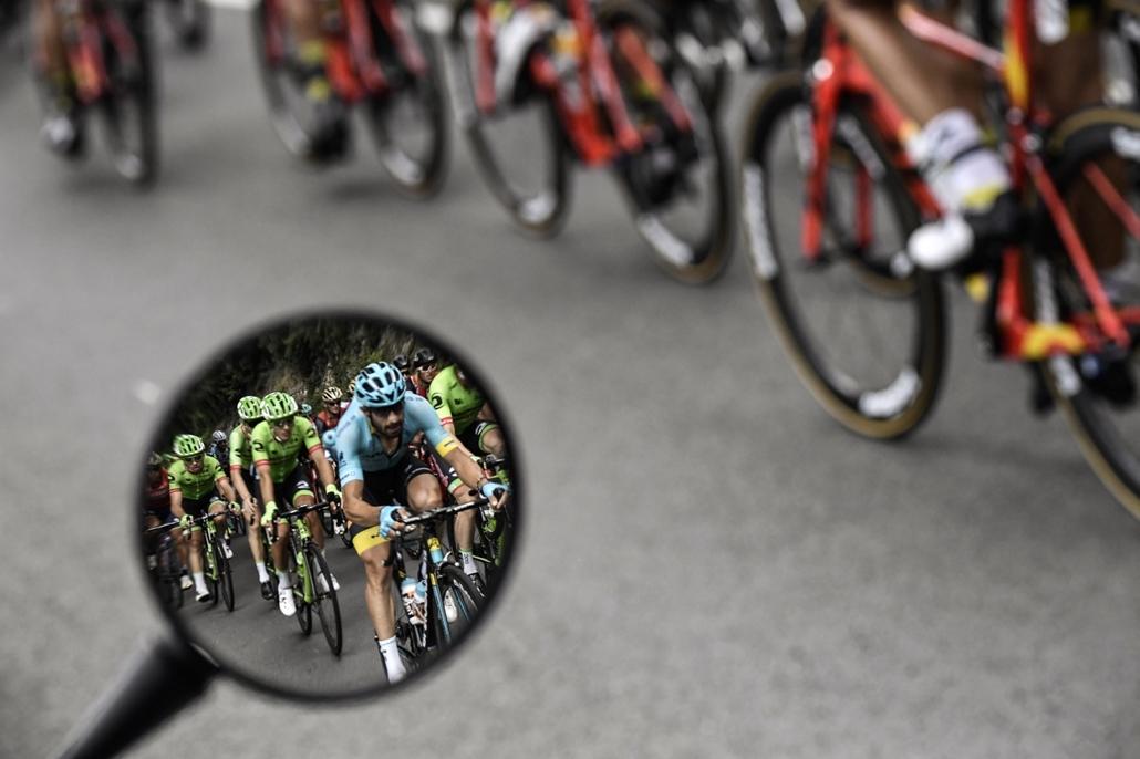 afp.17.07.11. - Versenyzők a tizedik, 178 kilométeres szakaszon Perigueux és Bergerac között július 11-én. - Tour de France 2017