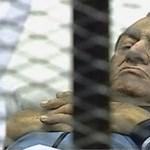Zárt tárgyalás: elnapolták Mubarak perét