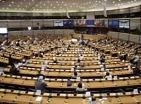 A magyarok több mint kétharmados többséggel támogatják a jogállami feltételeket