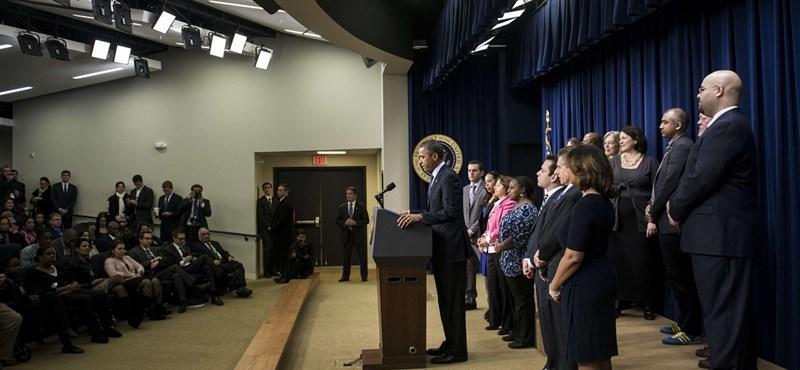 Csak lidocaint fújt a sebre Obama