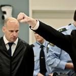 Breivik náci köszöntéssel érkezett a bíróságra