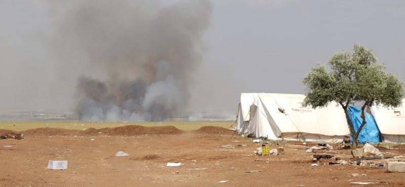 Új irányba mozdult az Iszlám Állam, 160 ezer szíriai civil került két tűz közé