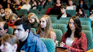 Osztatlan képzésre is több ezer diákot vettek fel: ezeken a szakokon tanulnak a legtöbben szeptembertől
