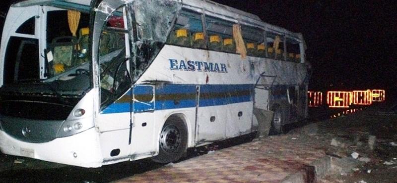Gigantikus kártérítést fizethet az utazási iroda a hurghadai buszbaleset miatt