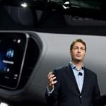 1100 menedzsert küld el a Mercedes anyacége egy német lap szerint