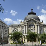 Vizsgálatot indít a Vígszínházban a főváros