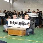 Újabb középiskolák csatlakoztak a diáktüntetésekhez