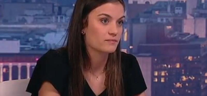 Fenyegetik és megpróbálják lejáratni a lányt, aki megírta, hogy Magyarországon nincs jövőképe egy 22 évesnek