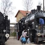 Ki nem találná, az angol és a német mellett milyen nyelven tájékoztat a Vasúttörténeti Park