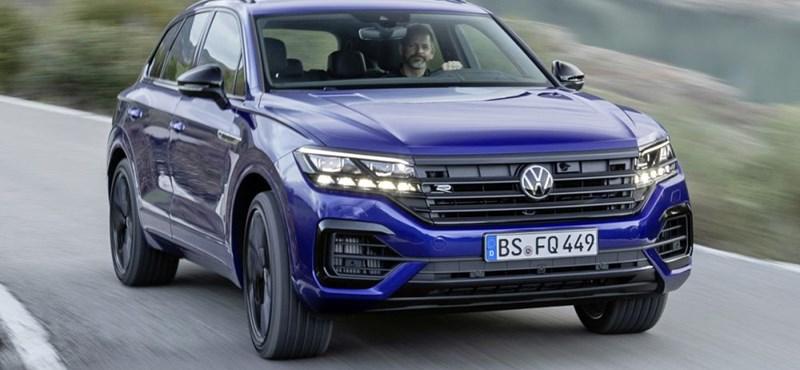 Beárazták a 462 lóerős új zöld rendszámos VW Touareget