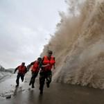 Óriáshullám keletkezett egy kínai kikötőben – fotó