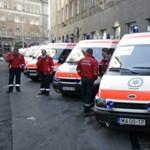 Háromszáz mentőautó marad forgalomban a korhatár-emelés miatt