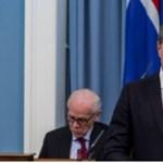 Belebukott az izlandi kormány a miniszterelnök apjának botrányába