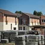 Utálják az újépítésű lakásokat a magyarok, mégis viszik, mint a cukrot