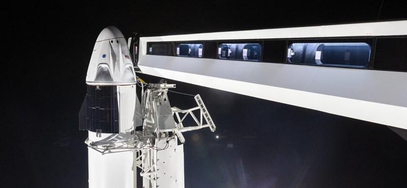 Végzősök, figyelem: most bárki fotójat magával viszi a SpaceX a Nemzetközi Űrállomásra