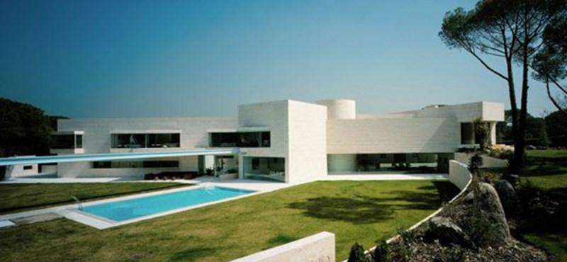 Spanyol luxusotthon