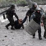 Szabadon engedtek 234 ukrán tüntetőt