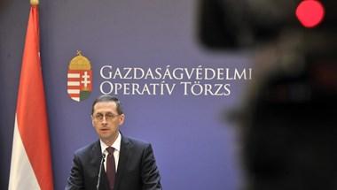 A járványra fogják, de már a 2022-es választások miatt szórják a pénzt Orbánék